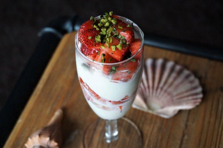 Erdbeer-Vanille-Sahne-Dessert