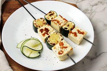 Halloumi-Zucchini-Spieße