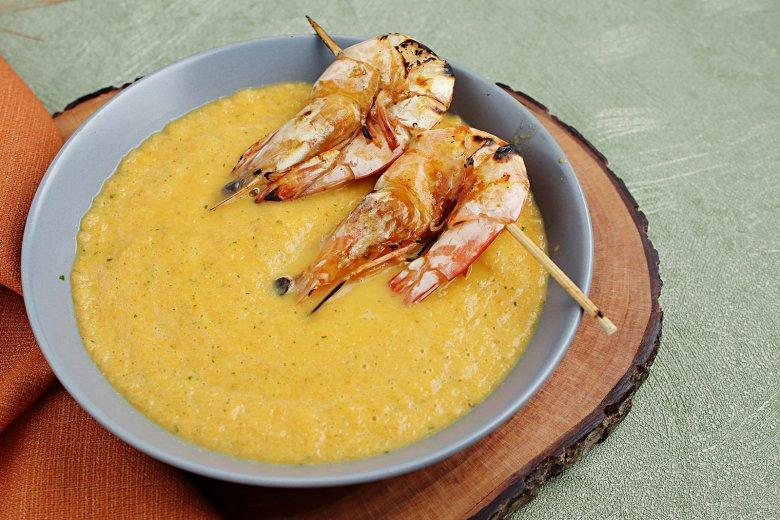 Karotten-Ingwer-Suppe mit Garnelen