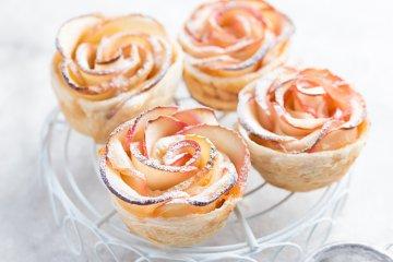 Schnelle Apfelrosen mit Blätterteig