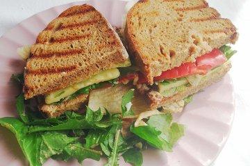Sandwich mit Limburger und Paprika