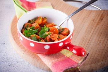 Frisches Karottengemüse