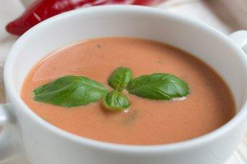 Weißweinsuppe mit Paprika