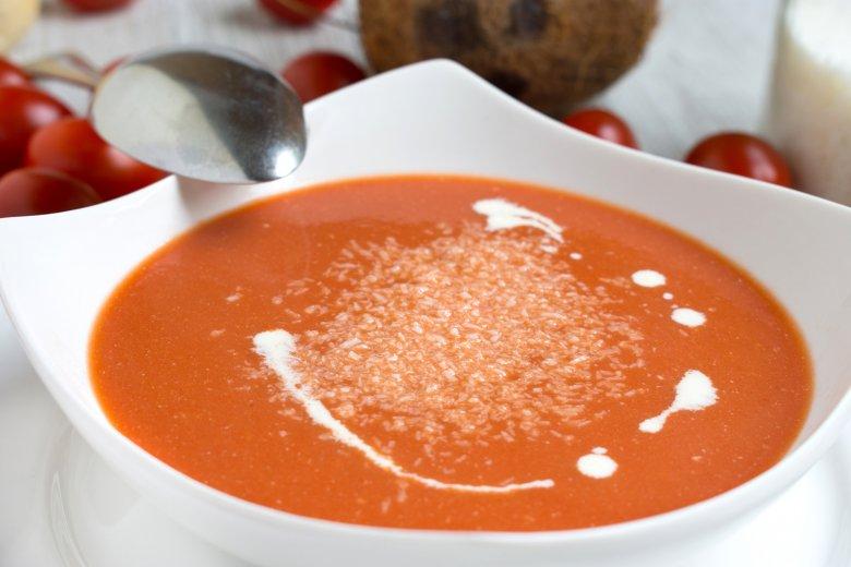 Blizschnelle Tomaten-Kokos-Suppe