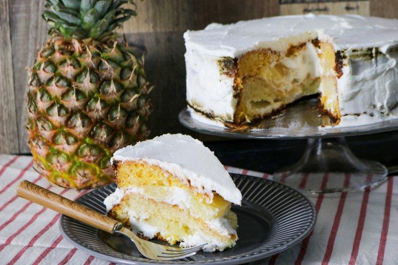 Ananas-Sahnetorte