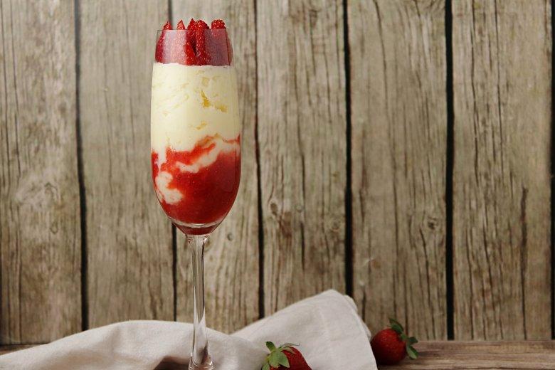 Erdbeer-Sekt-Dessert