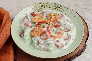 Gurkenkaltschale mit Shrimps