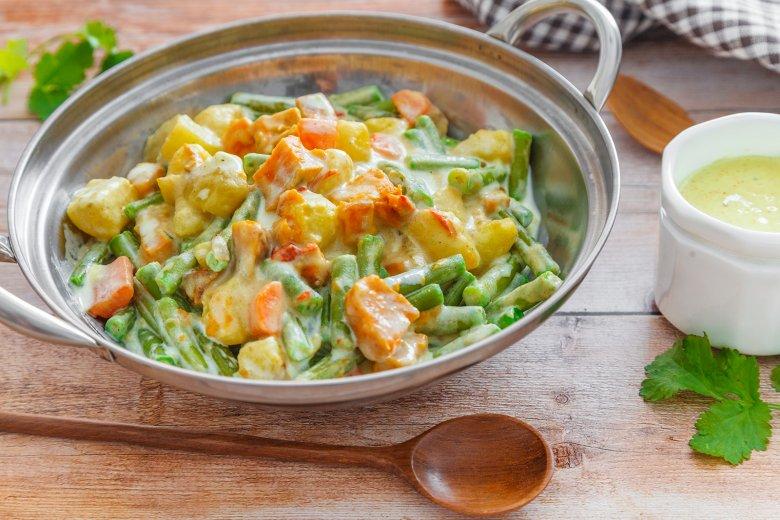 Gemüsecurry mit Süßkartoffeln