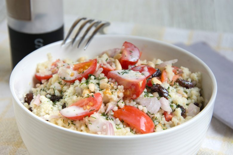 Couscous-Salat mit Joghurt-Dressing