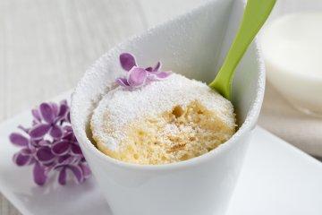Mikrowellen-Tassenkuchen mit Kokos und Zitrone