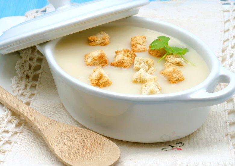 Vegane Spargel-Kokos-Suppe