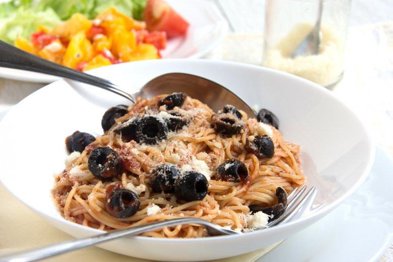 Spaghetti mit Puttanesca-Sauce