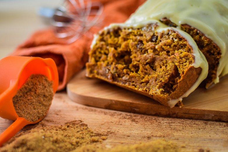 Möhrenkuchen mit Mascarponehaube