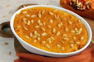 Kürbis-Lasagne mit Pinienkernen