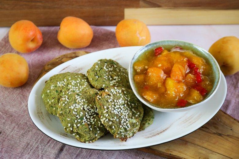 Falafel mit Aprikosensauce
