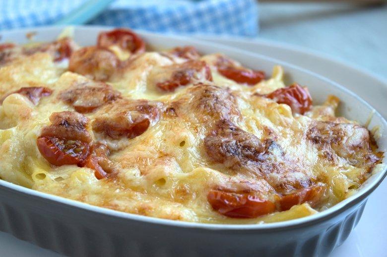 Makkaroni-Auflauf mit Tomaten
