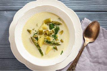 Spargelcremesuppe mit Kartoffeln