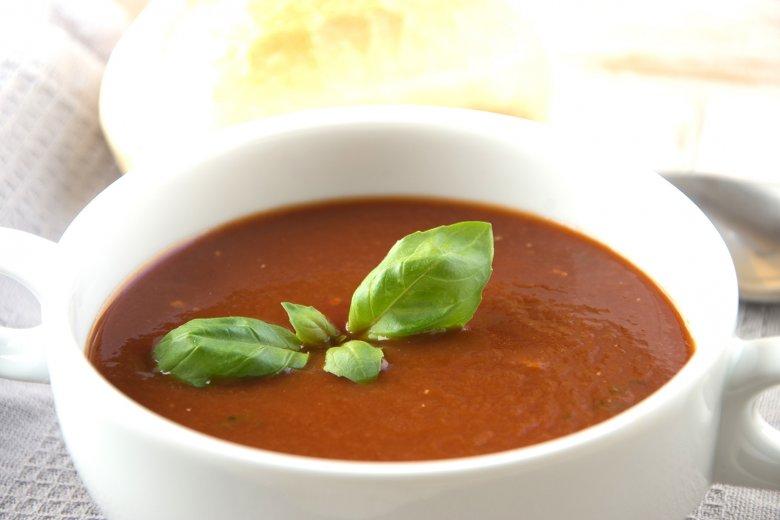 Tomatensuppe nach tropischer Art
