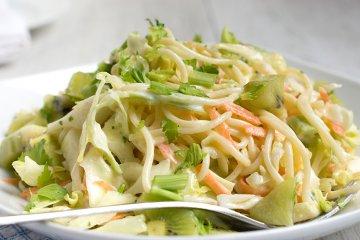 Krautsalat mit Spaghetti