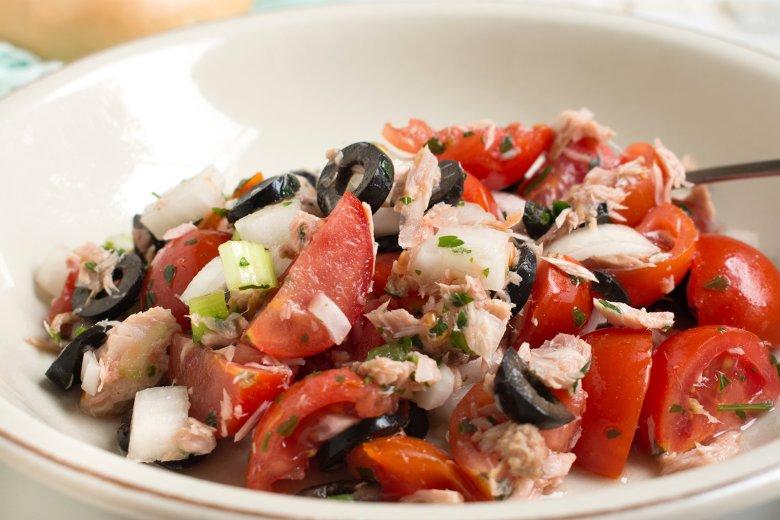 Thunfisch-Tomaten-Salat