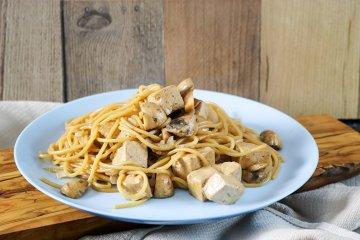 Spaghetti mit Tofu und Champignons