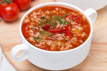 Tomaten-Reissuppe