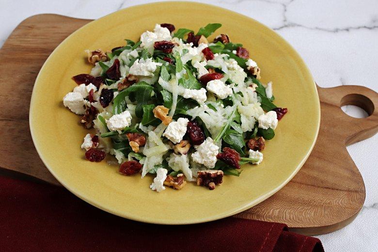 Gemischter Kohlrabi-Salat