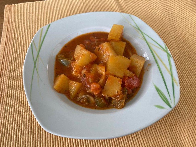 Veganes Pilz-Kartoffel-Gulasch