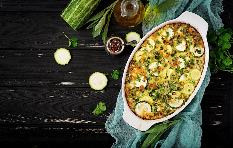 Makkaroniauflauf mit Zucchini