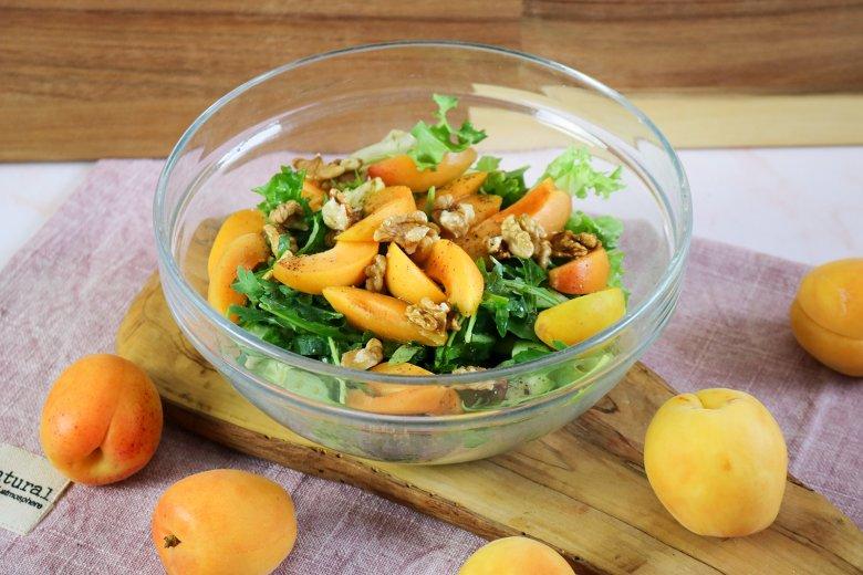 Sommer-Salat mit Aprikosen