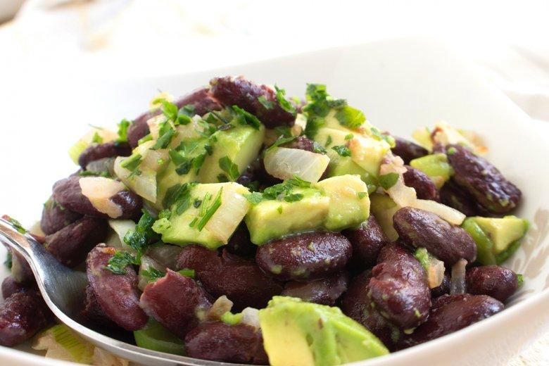 Kidneybohnengemüse mit Avocado