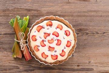 Rhabarberkuchen mit Mascarpone