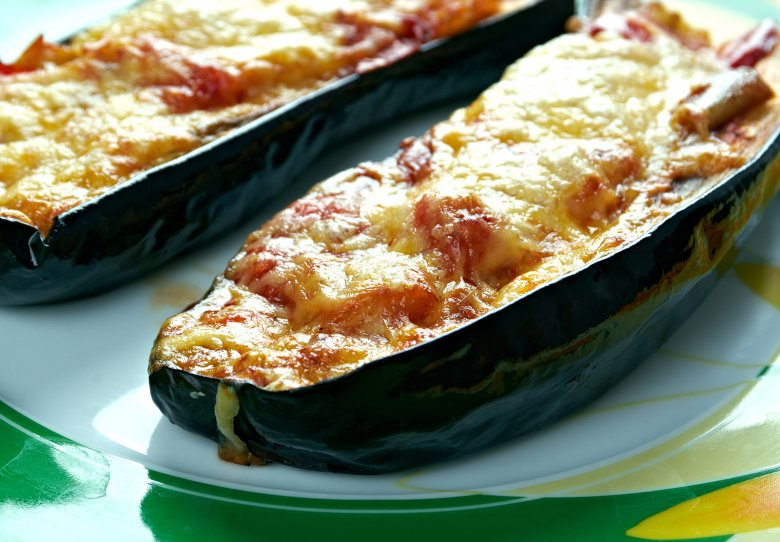 Gefüllte Auberginenschiffchen mit Parmesan