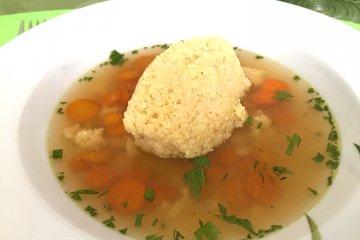 Schnelle Grießklößchensuppe