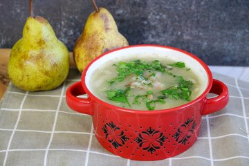 Grüne-Bohnensuppe mit Birnen