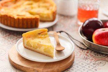 Apfelkuchen mit Schmand-Füllung