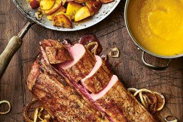Wildschweinrücken mit Bratkartoffeln und Aprikosenpüree