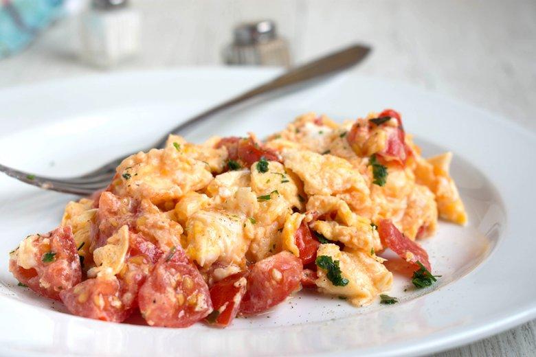 Rühreier mit Tomaten