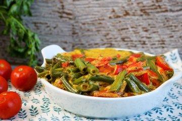 Bohnen-Paprika-Gemüse mit Curry