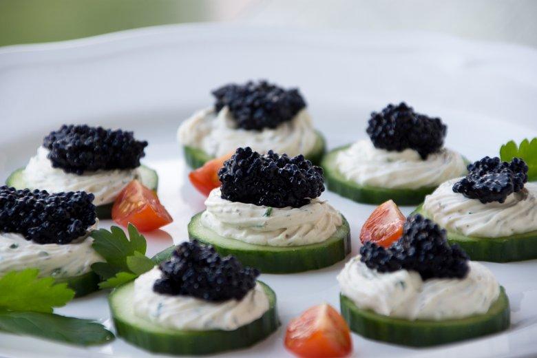 Kaviar-Gurkentaler