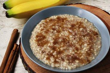 Bananen-Frühstücksbrei