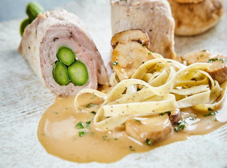Gefüllte Schnitzel mit Pilz-Tagliatelle
