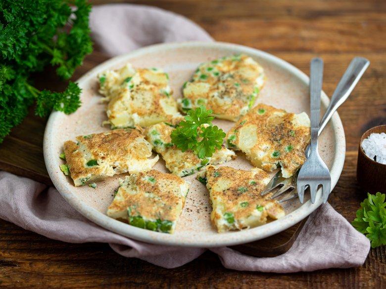 Omelett mit Kartoffeln und Erbsen