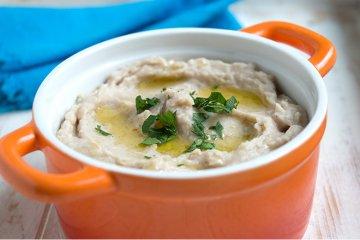 Hummus mit Saubohnen