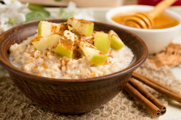 Apfel-Porridge mit Zimt
