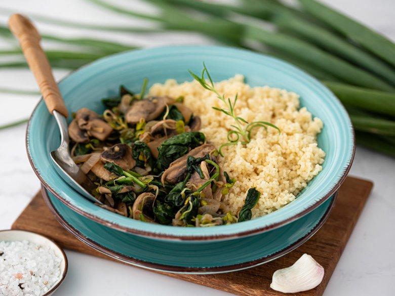 Vegane Sprossenpfanne mit Couscous