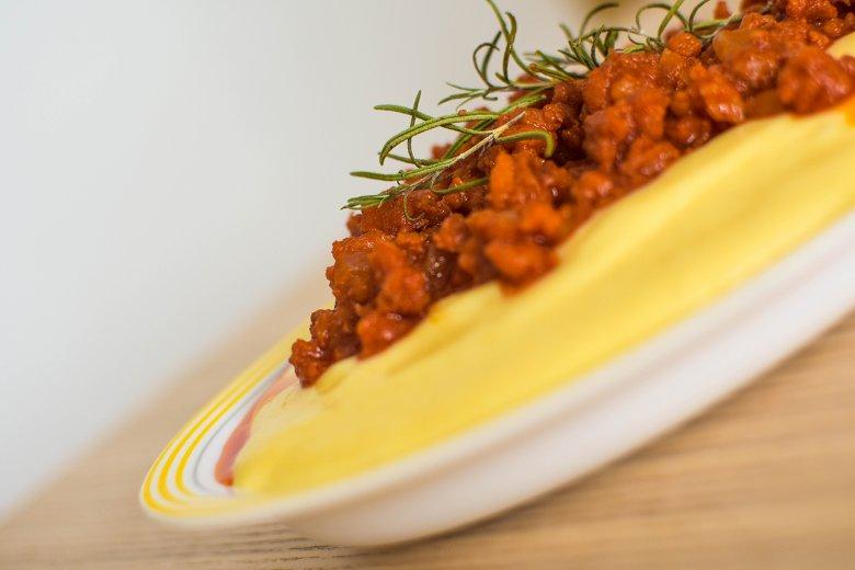 Salsiccia mit Polenta