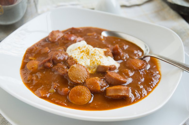 Currywurst-Tomatensuppe