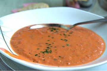 Tomatensuppe mit Ingwer