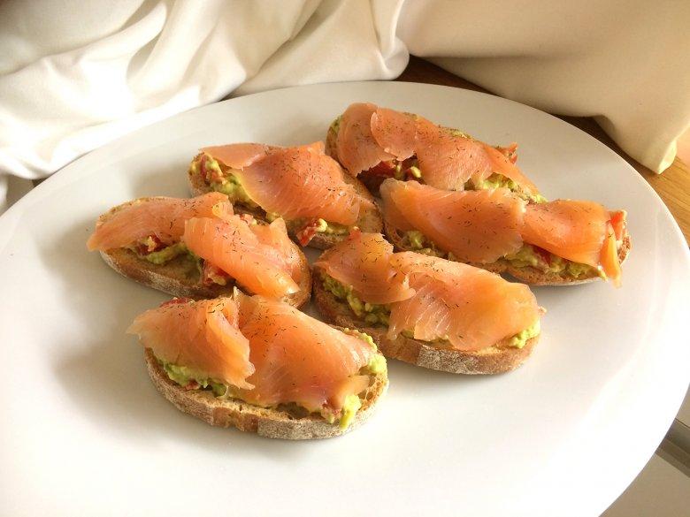 Bruschetta mit Lachs